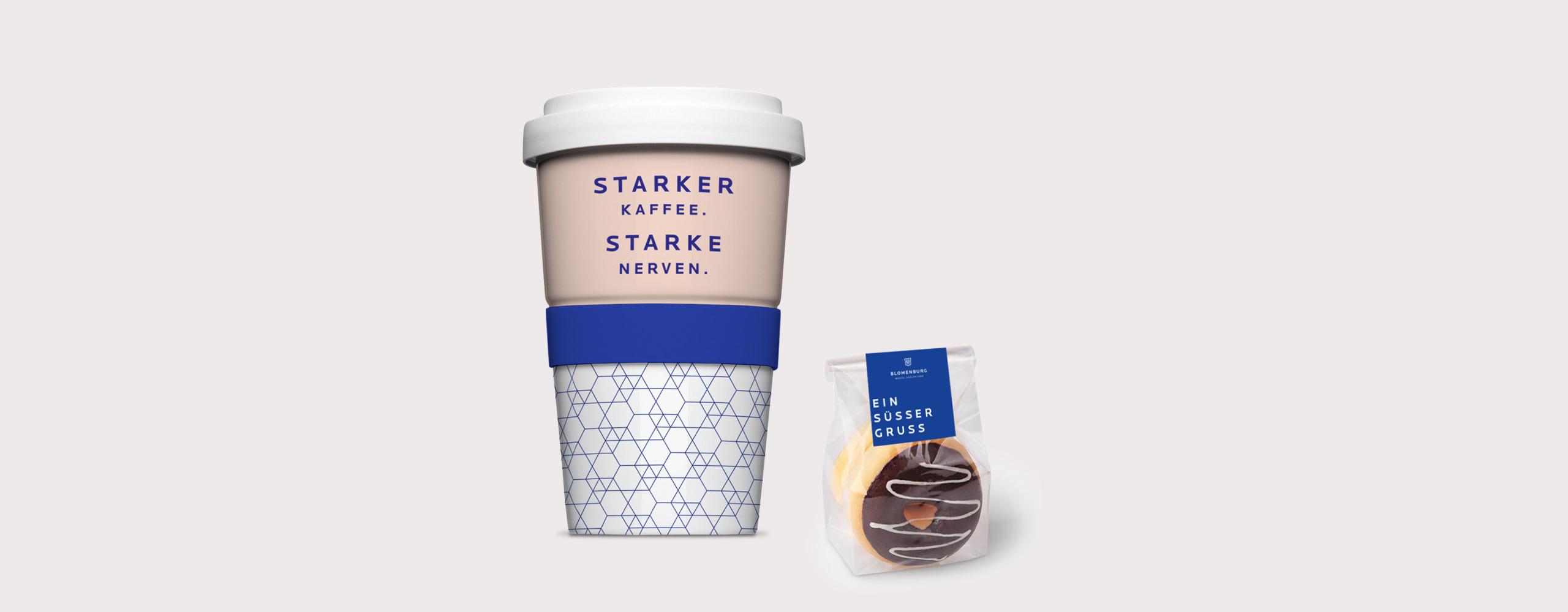 Kaffeebecher und Süßer Gruß