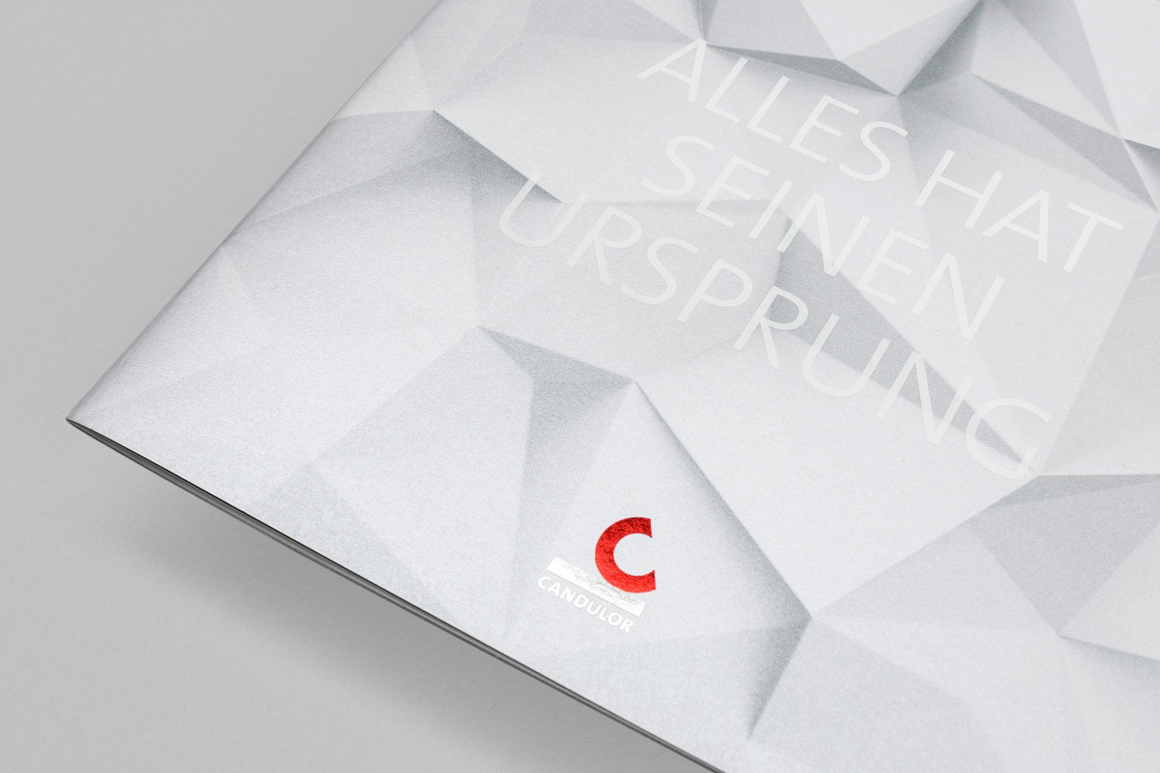 Die Imagebroschüre ist das zentrale Printmedium, das die Markenwerte und die Vision der CANDULOR transportiert.