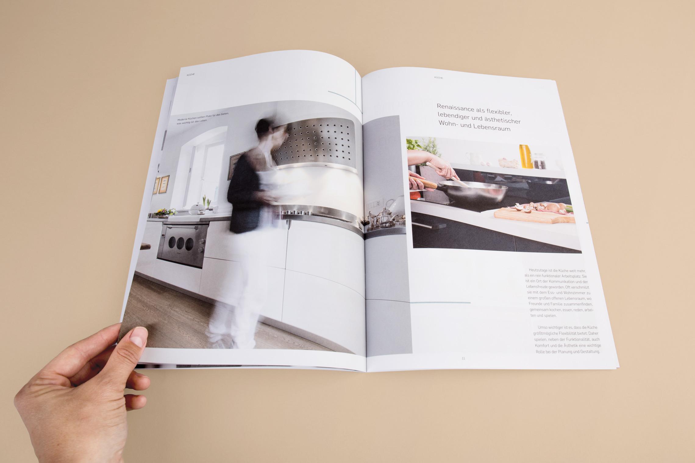 In der Imagebroschüre wird die Marke Gerdau auf ästhetische Weise inszeniert.