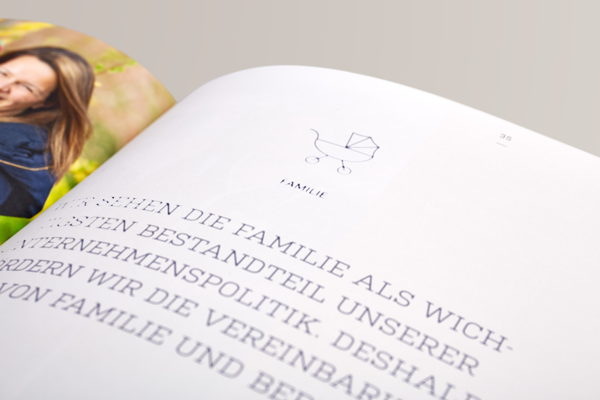 Im Designkonzept wurden die Hausschriften festgelegt, die allen Malring Medien ihr unverwechselbares Erscheinungsbild geben.